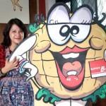 """Mike Ragnar dan Bisnis Sukses """"Burger Raksasa"""" Dari Malang"""