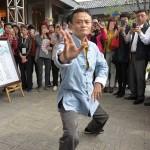 Perjuangan Guru Bahasa Inggris Menjadi Pahlawan Ekonomi China