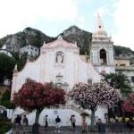 Seorang Anak Yatim yang Berjuang Hingga Menjadi Orang Terkaya Kedua di Italia