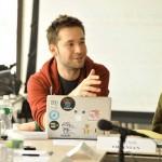 Jutawan Kaya Raya Ini Ternyata Mantan Remaja Kuper