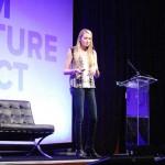 Wanita Ini Sukses Menjadi CEO Perusahaan Cincin Berteknologi Tinggi